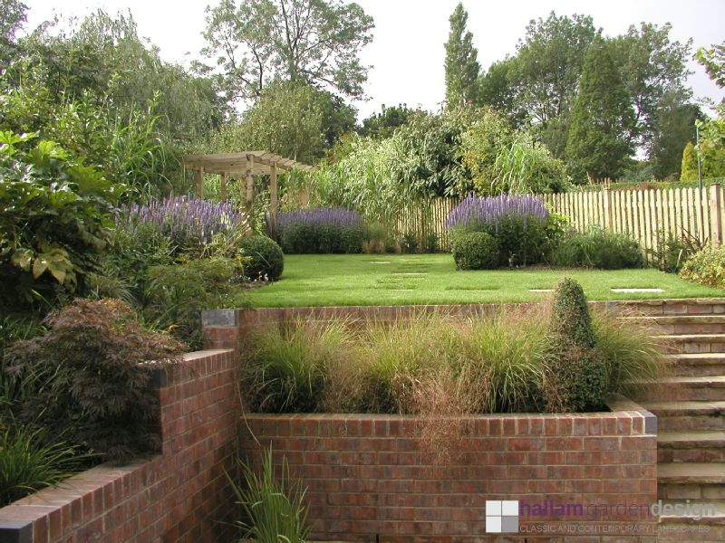 Sloping garden brincliffe edge for Sloping garden design ideas